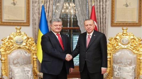 Порошенко предложил Эрдогану принять участие в восстановлении мира в Донбассе
