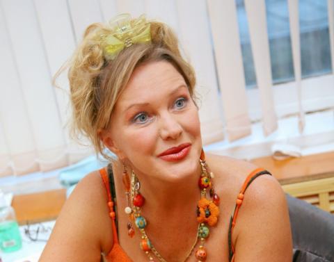 Елена Проклова рассказала о своих романах с известными актерами и попросила прощения у их жен