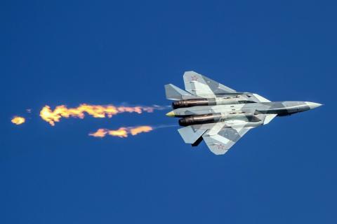Уникальное видео полета российского истребителя Су-57 появилось в сети