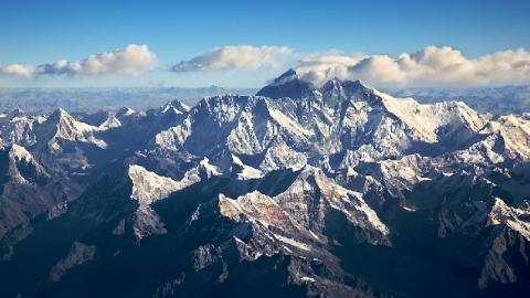В результате жесткой посадки вертолета в горах Таджикистана погибли 3 российских альпиниста