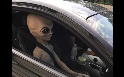 В Аргентине инопланетянин попал на фото, благодаря полицейским – СМИ