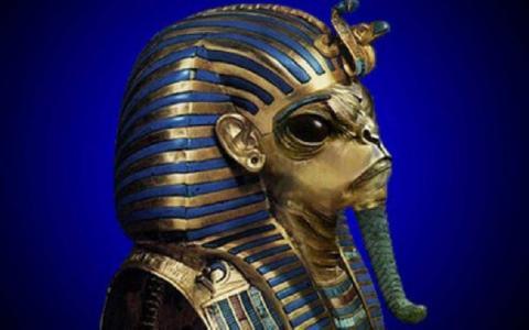 Таинственного инопланетянина в капсуле нашли внутри египетской пирамиды