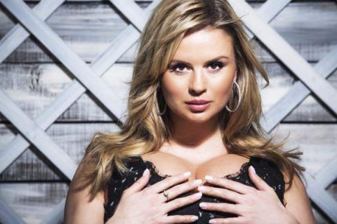 Живот вырос: Анна Семенович спровоцировала слухи о беременности