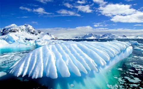 Находки в Антарктиде потрясли мир: пять необъяснимых объектов найдено на космических снимках ледяного континента
