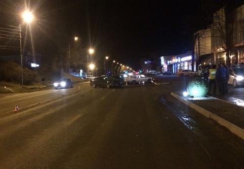 ДТП на Ставрополье: четыре человека пострадали при столкновении пяти машин в Пятигорске