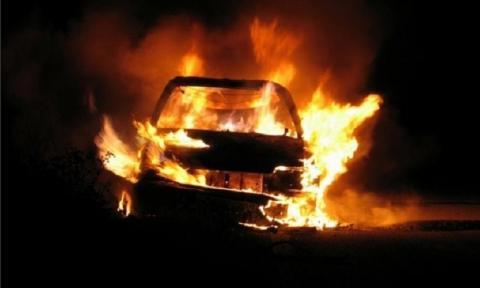 В Ставропольском крае автомобиль взорвался во дворе дома после салюта