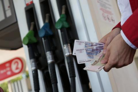 Некачественное топливо обнаружено на каждой восьмой АЗС России — Росстандарт