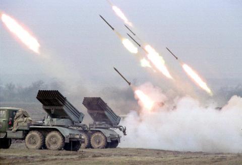Киев готовит очередной удар по Донбассу: Украина стягивает «Грады» в Мариуполь, тактика ИГИЛ пошла в ход