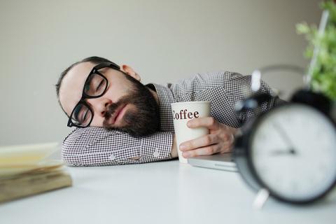 Диетолог назвала 4 пищевых привычки, провоцирующих усталость