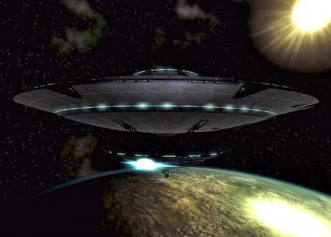 Враждебный корабль пришельцев создает проблемы МКС – уфолог
