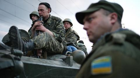 Киев выводит добровольцев, чтобы не допустить бойни с ВСУ