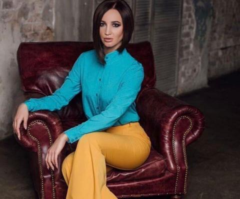 "Фанаты Бузовой рыдают над её новым клипом на песню ""Привыкаю"""