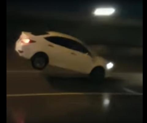 Ростовские дороги – «бессмысленные и беспощадные» - заставляют машины летать