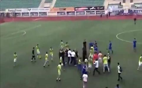 Массовая драка произошла на футбольном матче в Дагестане