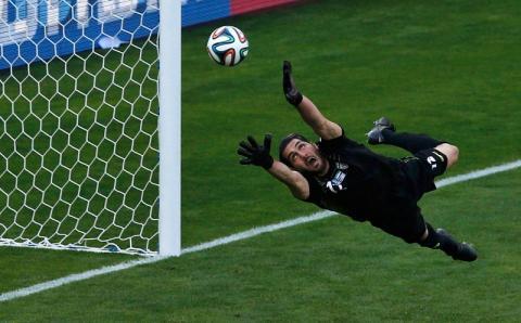 """Самый """"неспортивный"""" гол в истории футбола забили в Англии"""