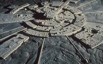 На Луне древний город подтверждает самые невероятные опасения ученых