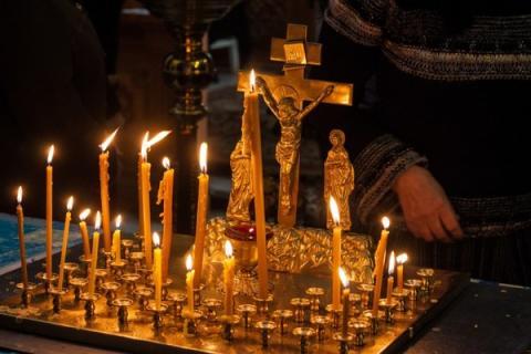 Родительская суббота 23 марта-2019: вселенское поминовение усопших, когда идти в храм и как молиться за умерших родных
