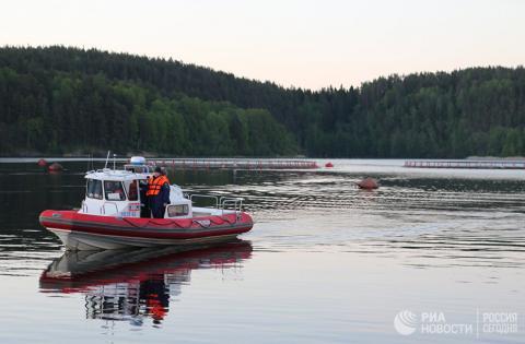 В Карелии на Ладоге перевернулась лодка с подростками – причины и подробности трагедии