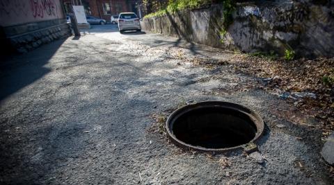 В Костроме ребенок упал в канализационный люк и потерял память