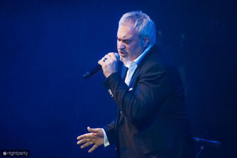 Валерий Меладзе выступает