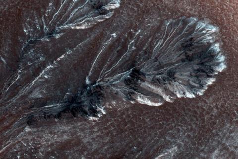 На Марсе ледниковые спиралевидные метки шокируют ученых загадочным происхождением