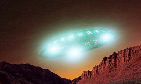 Уфологи нашли на снимке Марса дом и космический корабль