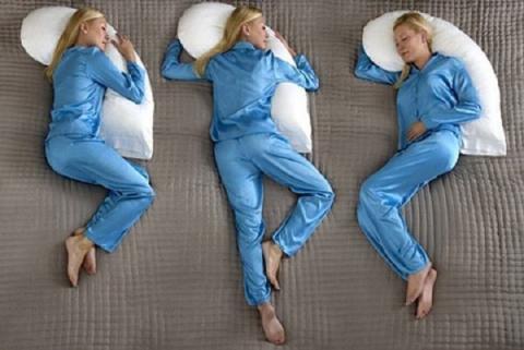 Самую опасную позу во время сна определили медики