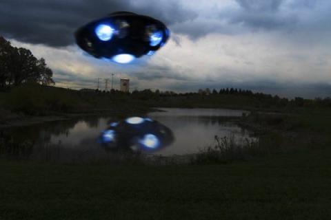 В Ростове сверкающий НЛО «взял в заложники» местных жителей на целую минуту