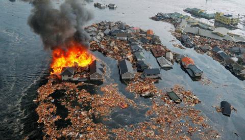 Смерчи, потопы и разрушения: климатические угрозы для России опубликованы в докладе Минприроды