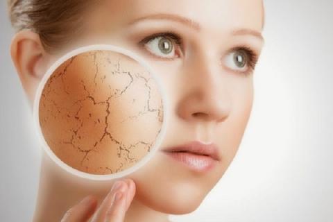 Названы семь привычек, которые погубят кожу вашего лица