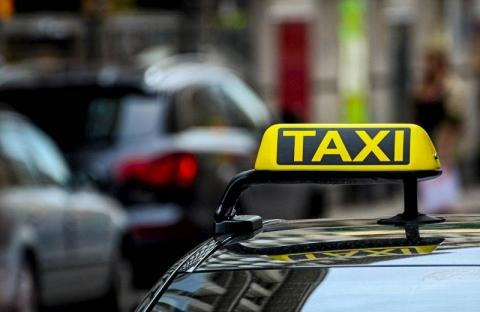 В Костроме таксист взял с пассажира 43 тысячи рублей за ожидание