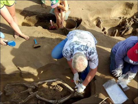 Средневековый «танцующий» скелет: странное захоронение обнаружено в Амурской области
