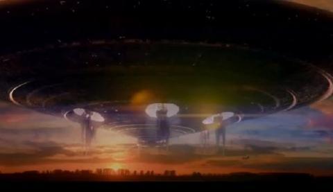 «Инопланетный червь» возник в небе над Калифорнией