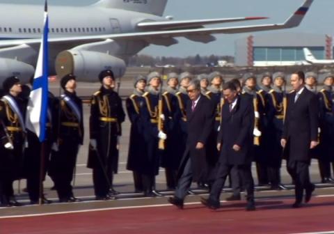Лидер Казахстана впервые прибыл с визитом в Россию
