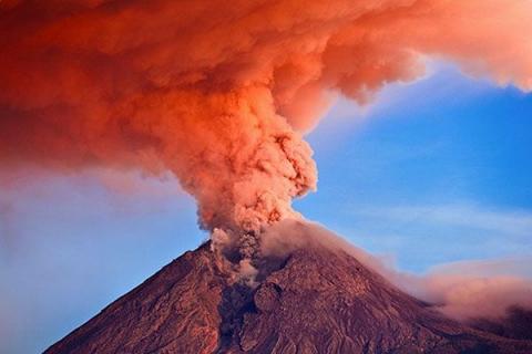 Странное поведение вулканов беспокоит ученых