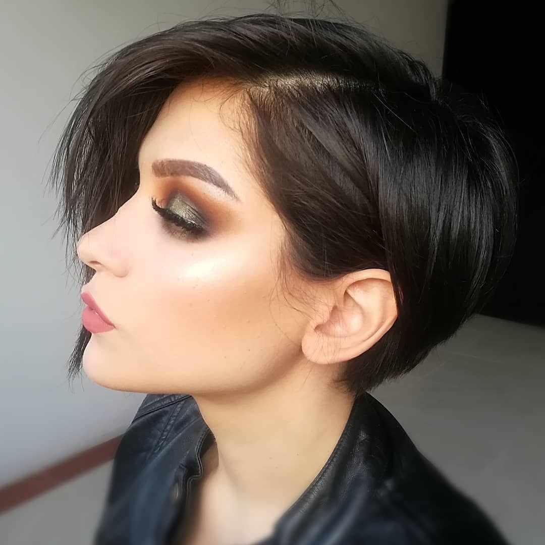 Модные женские стрижки: стильная асимметрия на средние и длинные волосы способна творить чудеса, кому идёт, фотопримеры