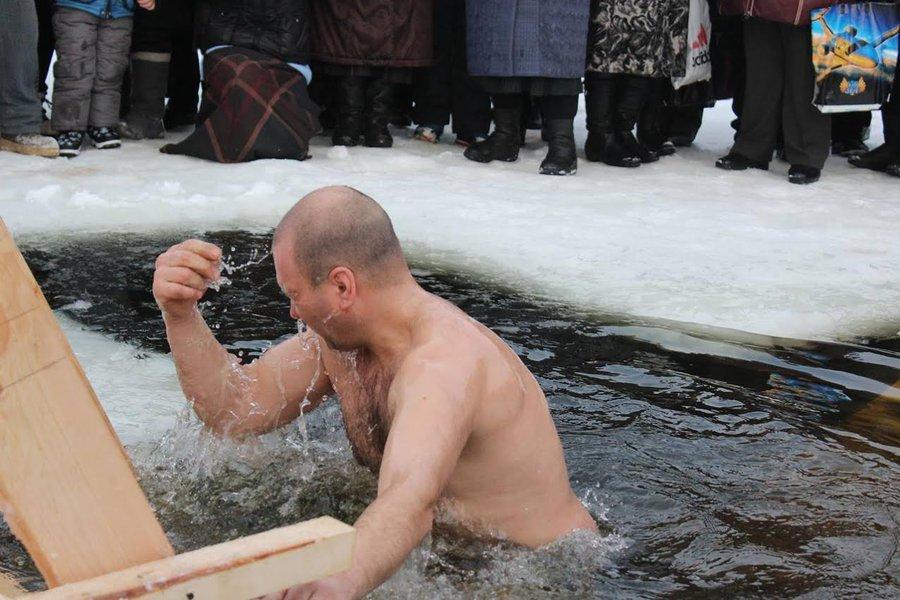 Крещение в Красноярске в 2018 году: где купаться, адреса купелей, время