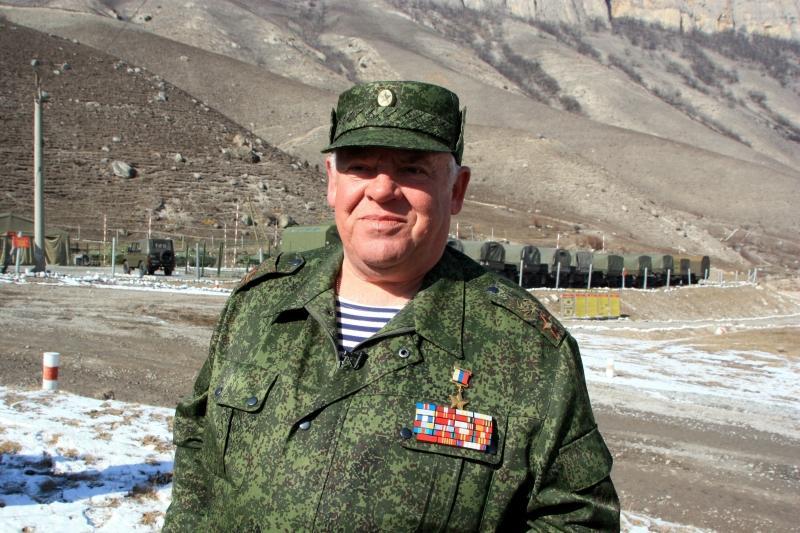 Генерал Виктор Казанцев поздравляет защитников Отечества с праздником
