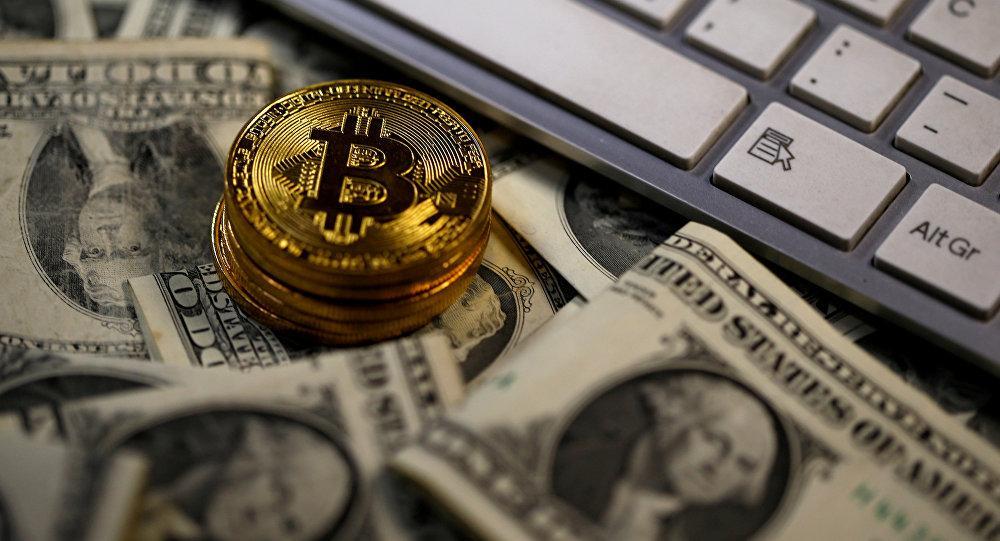 Курс криптовалюты «Биткоин» упал до13,5 тыс. долларов