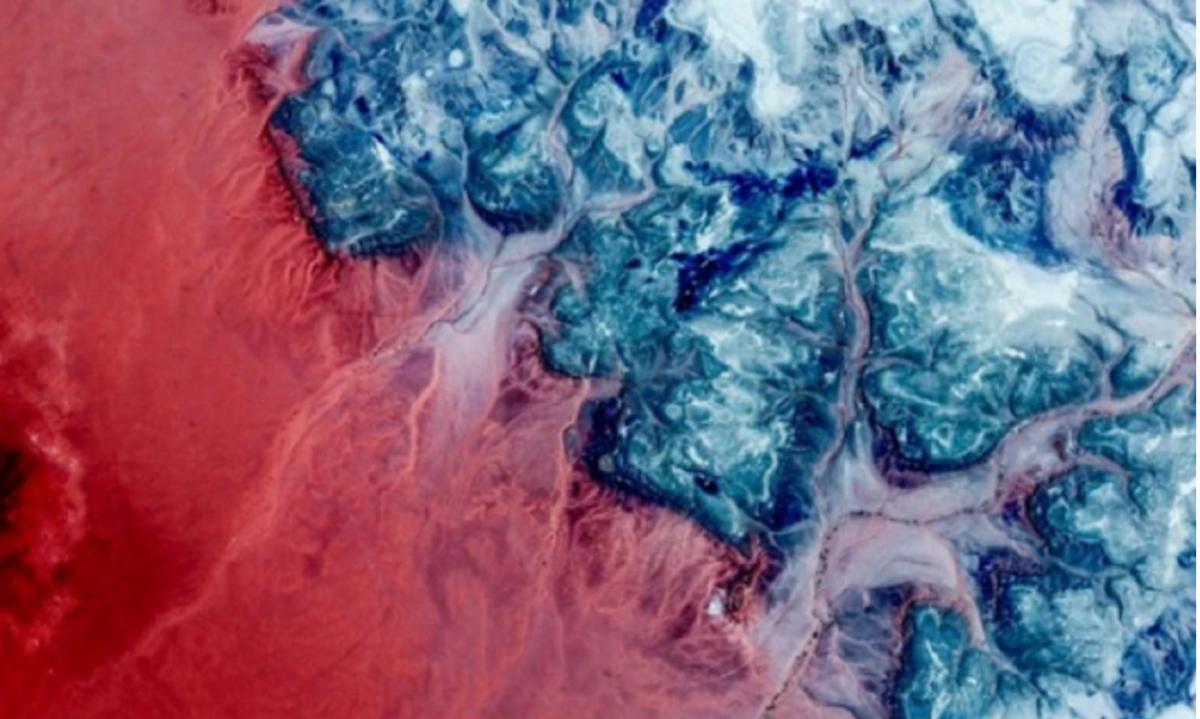 Google Earth показал потрясающие земные пейзажи, которые можно увидеть только со спутника