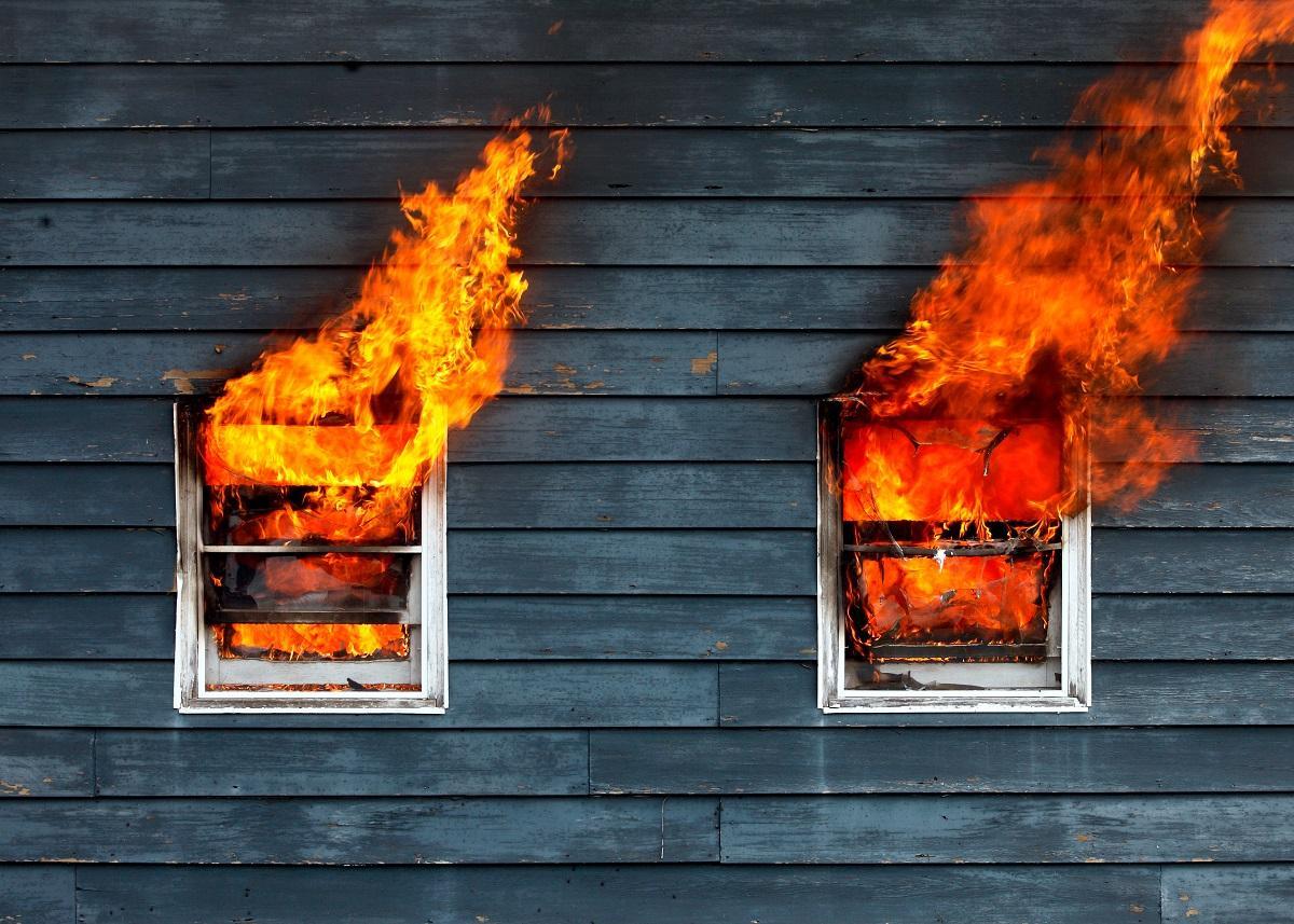 В Мордовии девятилетний мальчик вынес младшую сестру из горящего дома