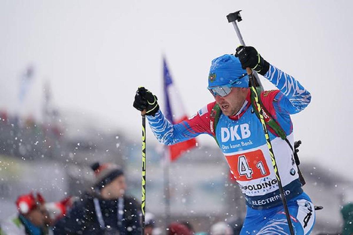 Российский биатлонист 300 метров бежал эстафету без палки, никто не захотел ему помогать