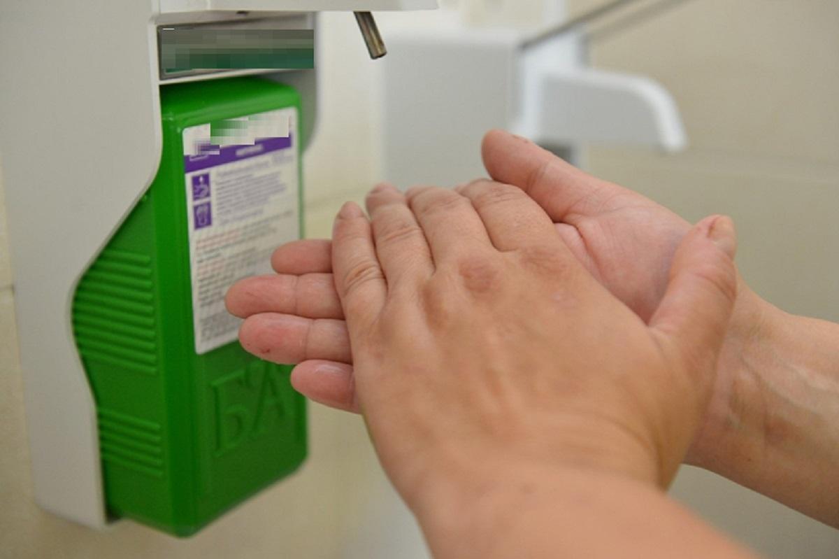 защита рук от коронавируса, антисептик своими руками