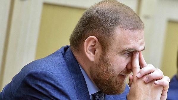 Террорист заставил сенатора Арашукова вспомнить русский язык