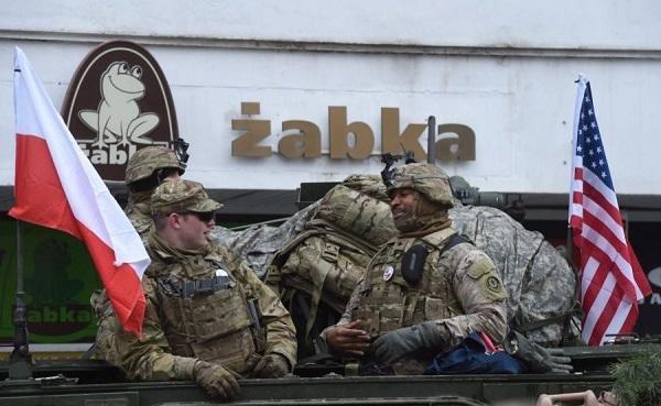 УП: НАТО построит в Польше хранилище для военной техники США