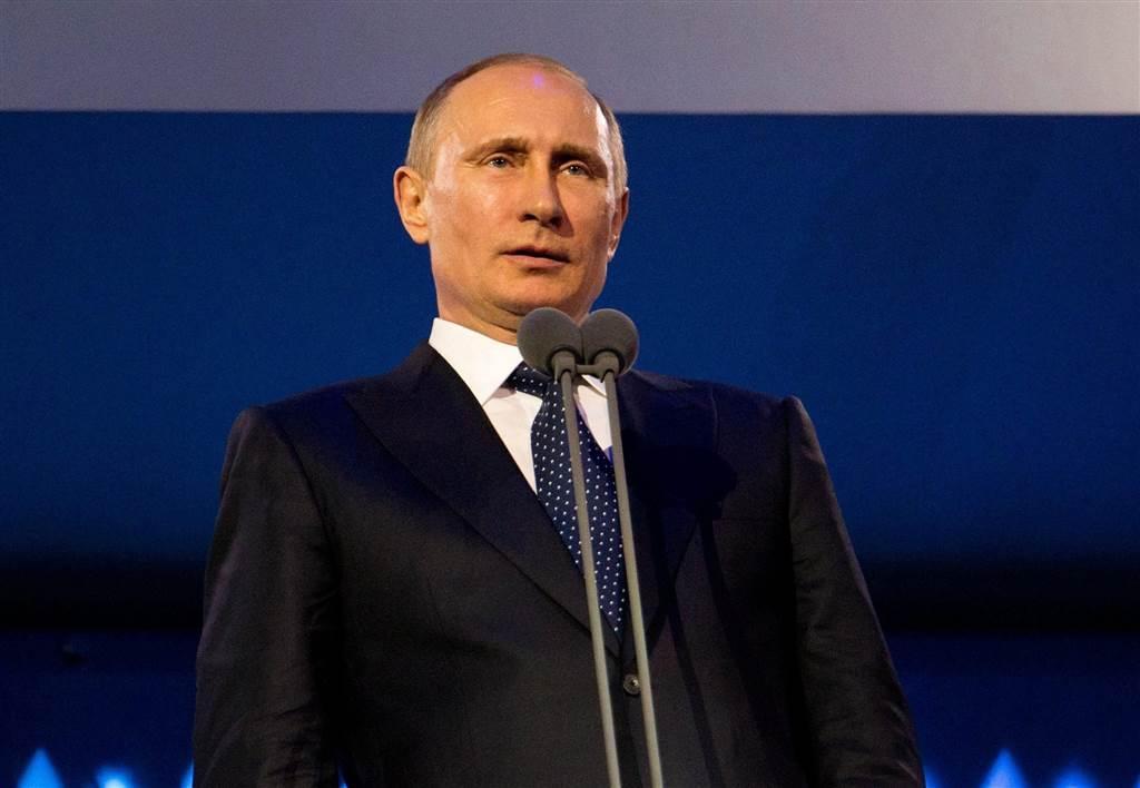 Почти 60% регионов не выполнили указ Путина по зарплатам медработников