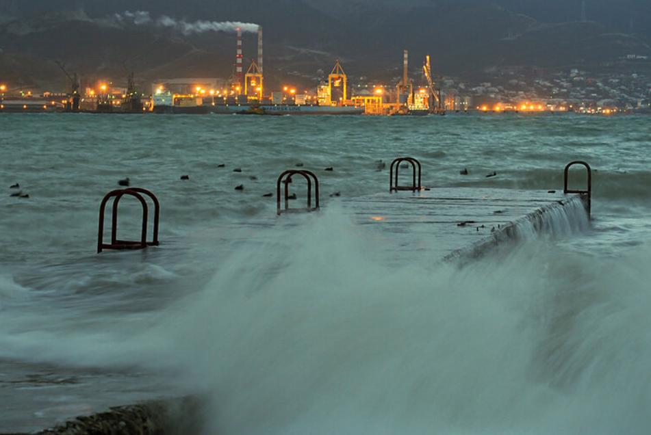Жителей Новороссийска предупредили о серьезном ухудшении погодных условий