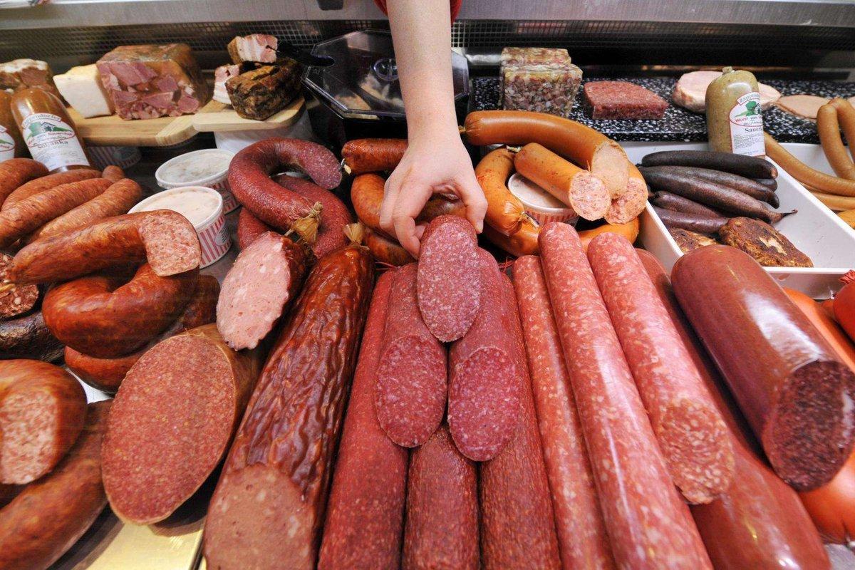 В «Роскачестве» рассказали о правильном выборе колбасы