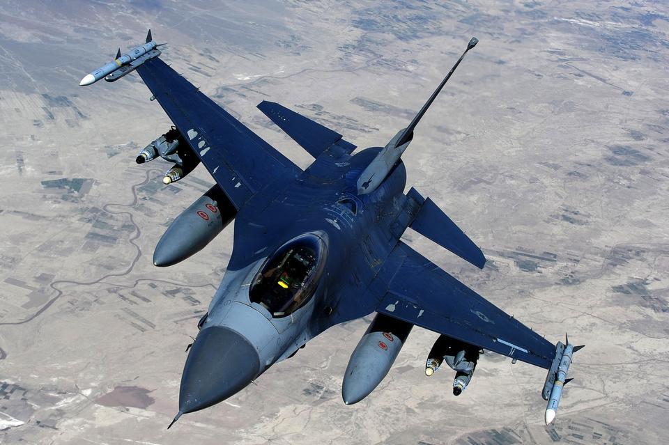 Американские ВВС бросили своих союзников в Сирии во время боя