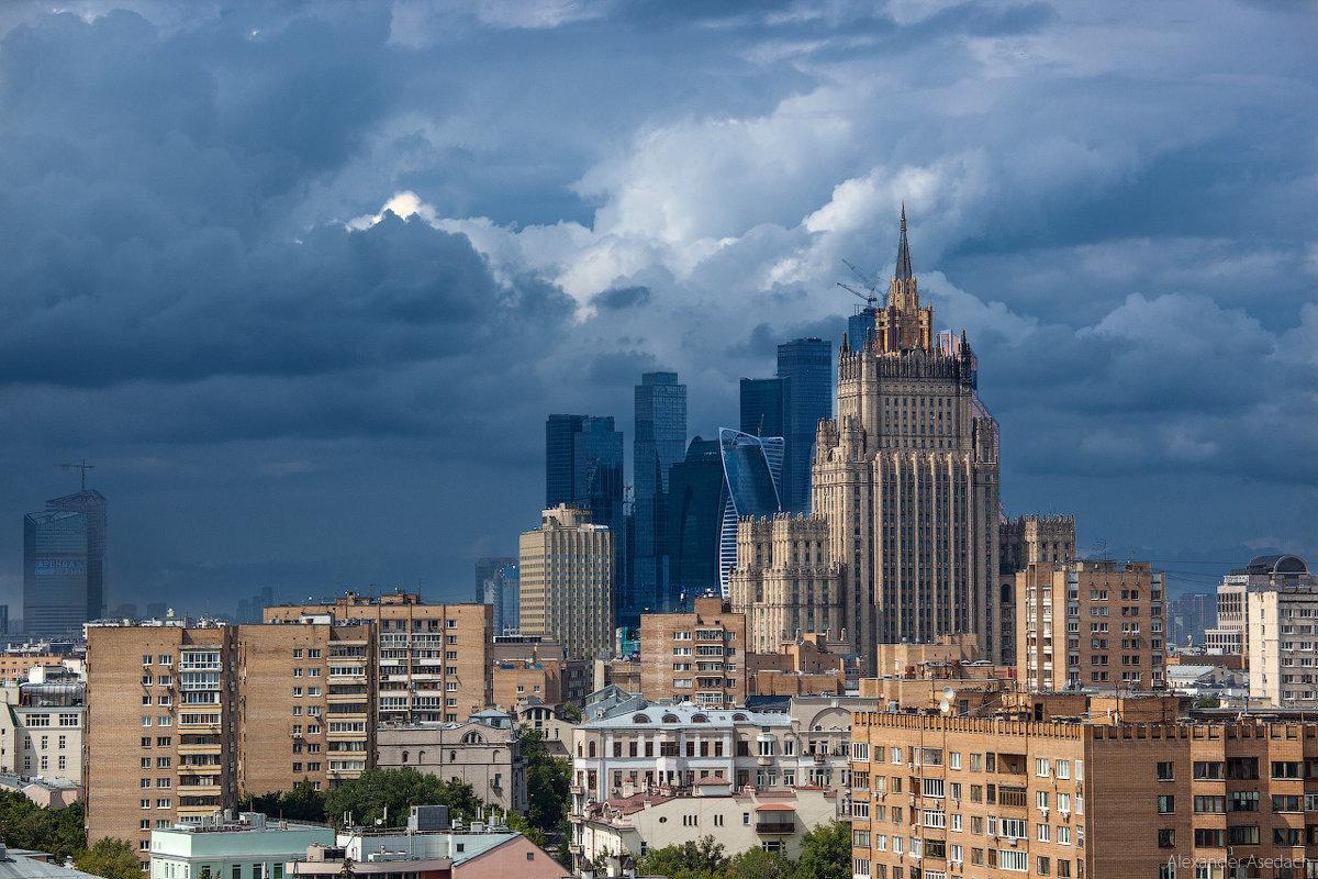 Гроза обрушилась на Москву и регионы Центральной России